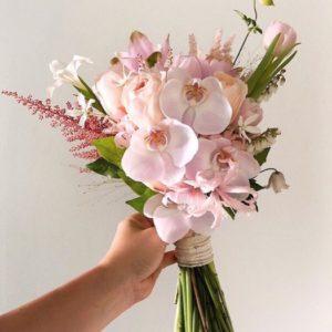 Букет невесты из орхидеи и пионовидной розы Art.05 39