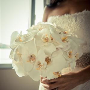 Букет невесты из белых орхидей  art.05-74