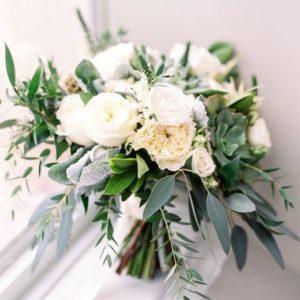 Букет невесты из белых роз art.05-01