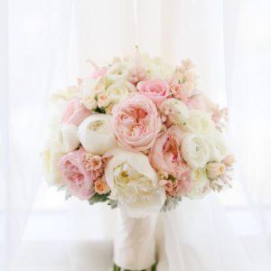 Букет невесты из пионовидной розы art. 05-121