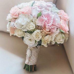 Букет невесты из кустовой розы  art.05-10
