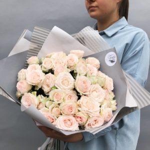 Букет из кустовых роз art.12-034