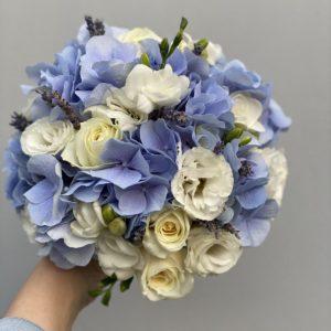 Букет невесты из голубой гортензииArt.05 57