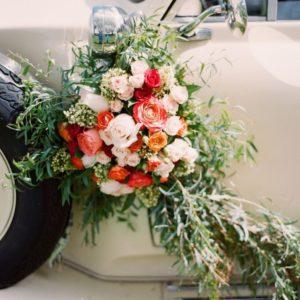 Оформление цветами свадебного автомобиля Art.07 07