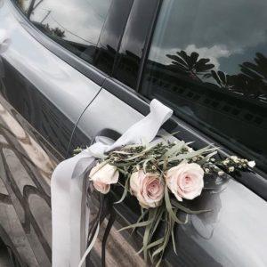 Оформление цветами свадебного автомобиля Art.07 06