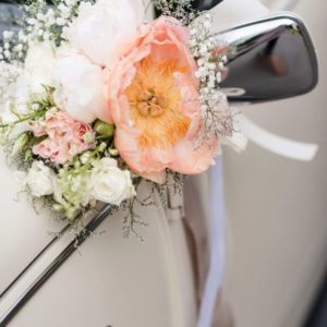Оформление цветами свадебного автомобиля Art.07 02