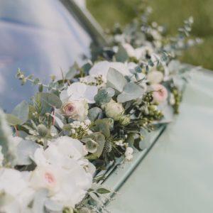 Оформление цветами свадебного автомобиля Art.07 10