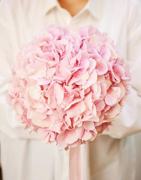 Букет невесты из розовой гортензии Art.05 78