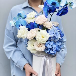 Букет цветов в шляпной коробке art.03-22