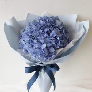 Букет из голубой гортензии art. 14-03