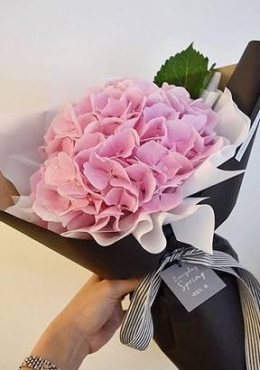 Букет с розовой гортензией art. 14-04