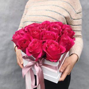 Цветы в шляпной коробке-сердце art.12-21