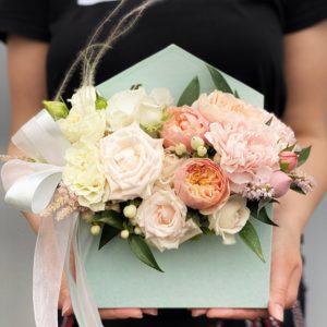 """Цветы в коробке """"конвертик"""" Art. 12 049"""